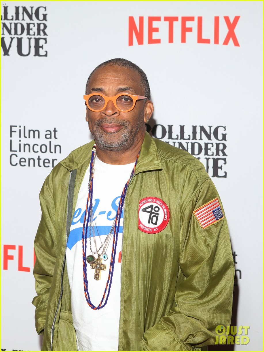 martin scorsese gets support from spike lee at bob dylan story premiere 034307871