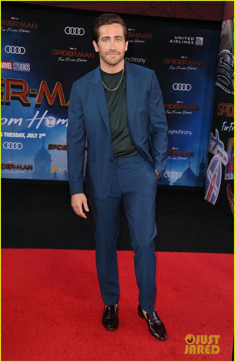 zendaya jake gyllenhaal tom holland spider man far from home 15