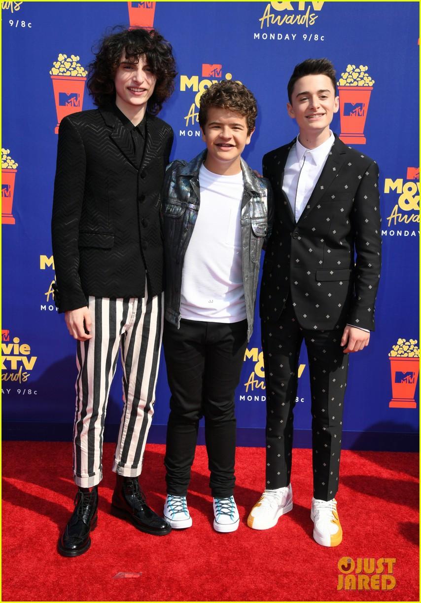 stranger things cast attend mtv movie tv awards 024310404