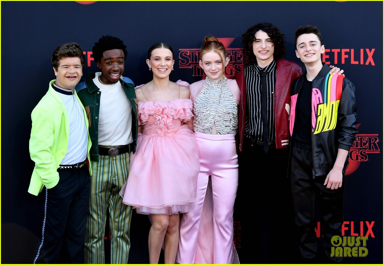 millie bobby brown finn wolfhard stranger things season three premiere 094315773