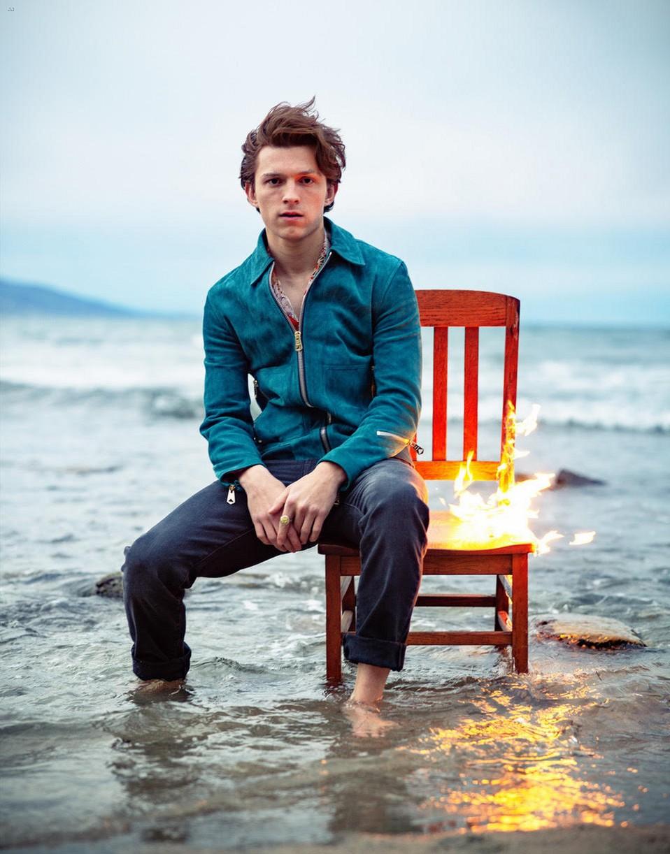 tom holland fire chair ocean man about town 034308765