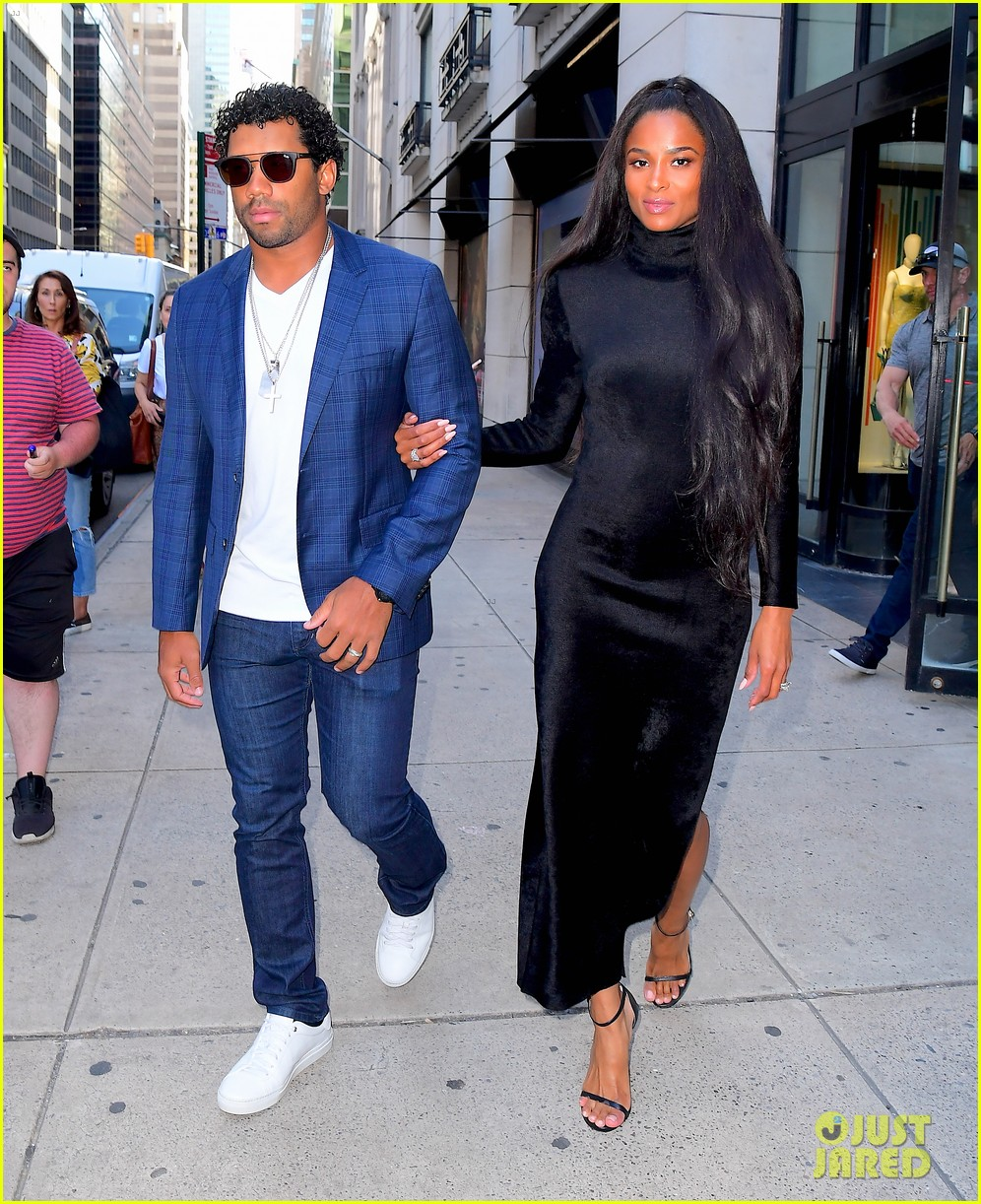 ciara russell wilson step out in style for dinner in nyc 03