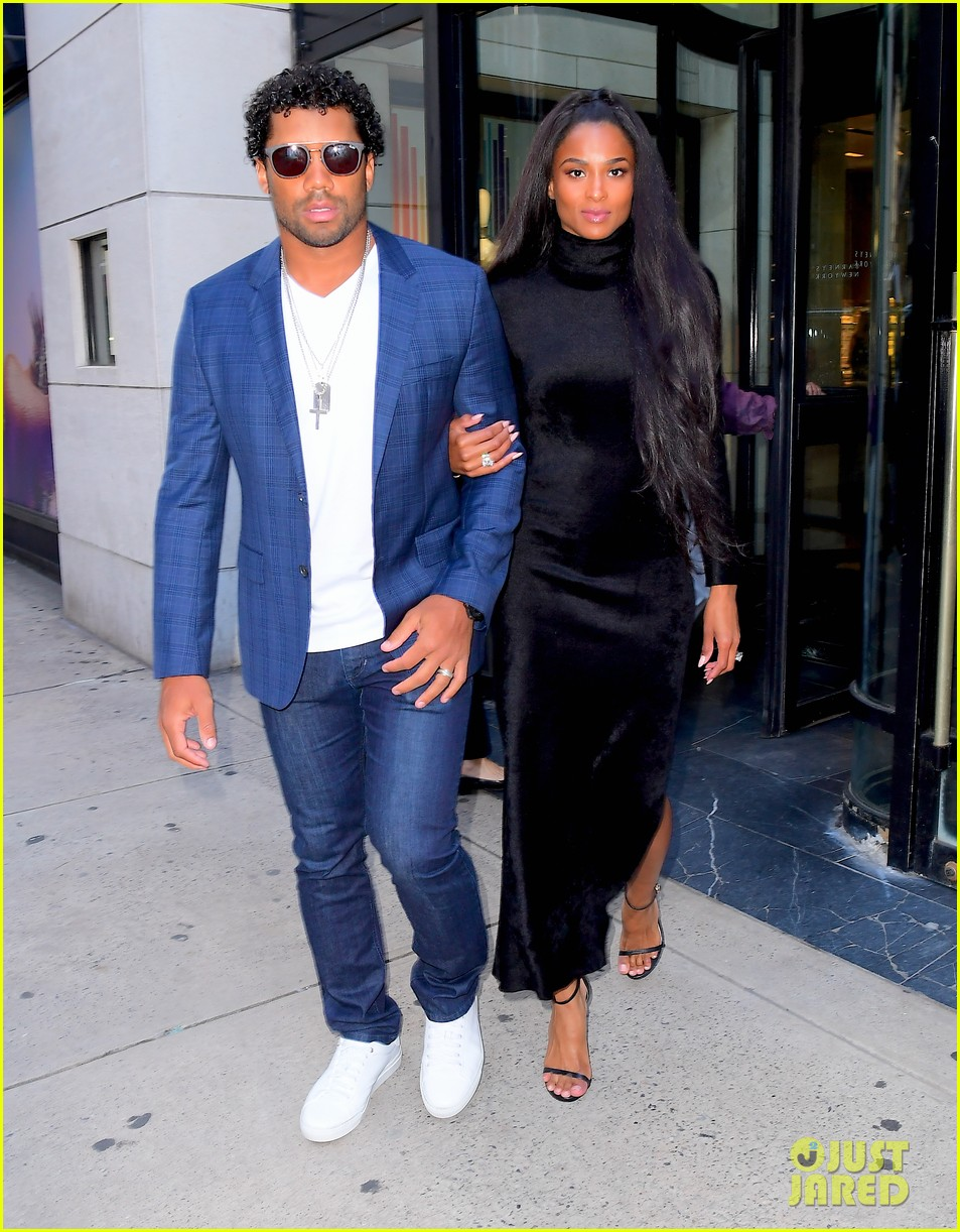 ciara russell wilson step out in style for dinner in nyc 05