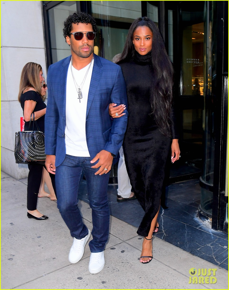 ciara russell wilson step out in style for dinner in nyc 06