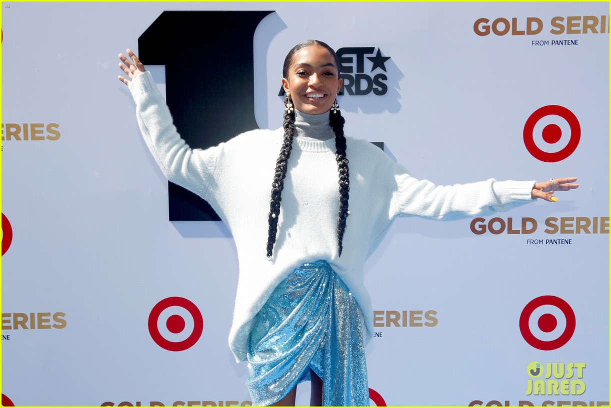 yara shahidi joins black ish fam at bet awards 2019 084313077