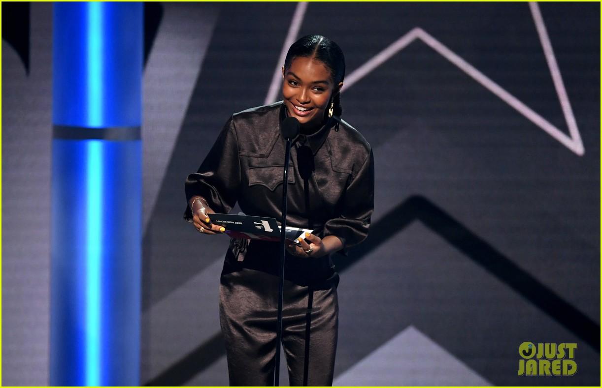 yara shahidi joins black ish fam at bet awards 2019 134313082