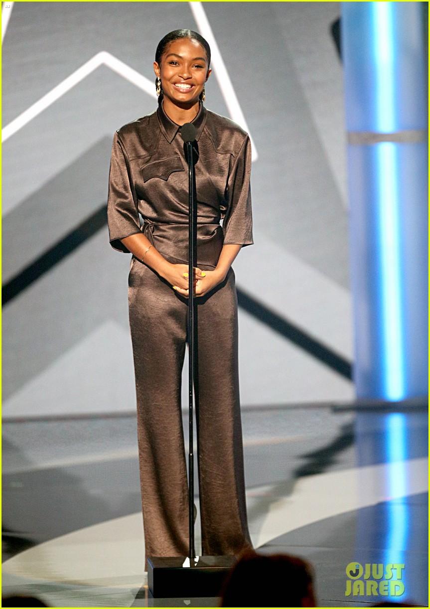 yara shahidi joins black ish fam at bet awards 2019 164313085