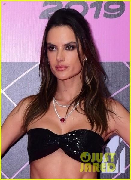 alessandra ambrosio halsey look so hot in mtv millennial awards 024318221