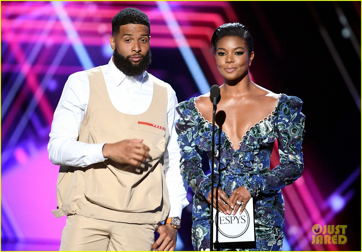 odell beckham jr sports khaki vest and shorts new haircut espys 2019 024320164
