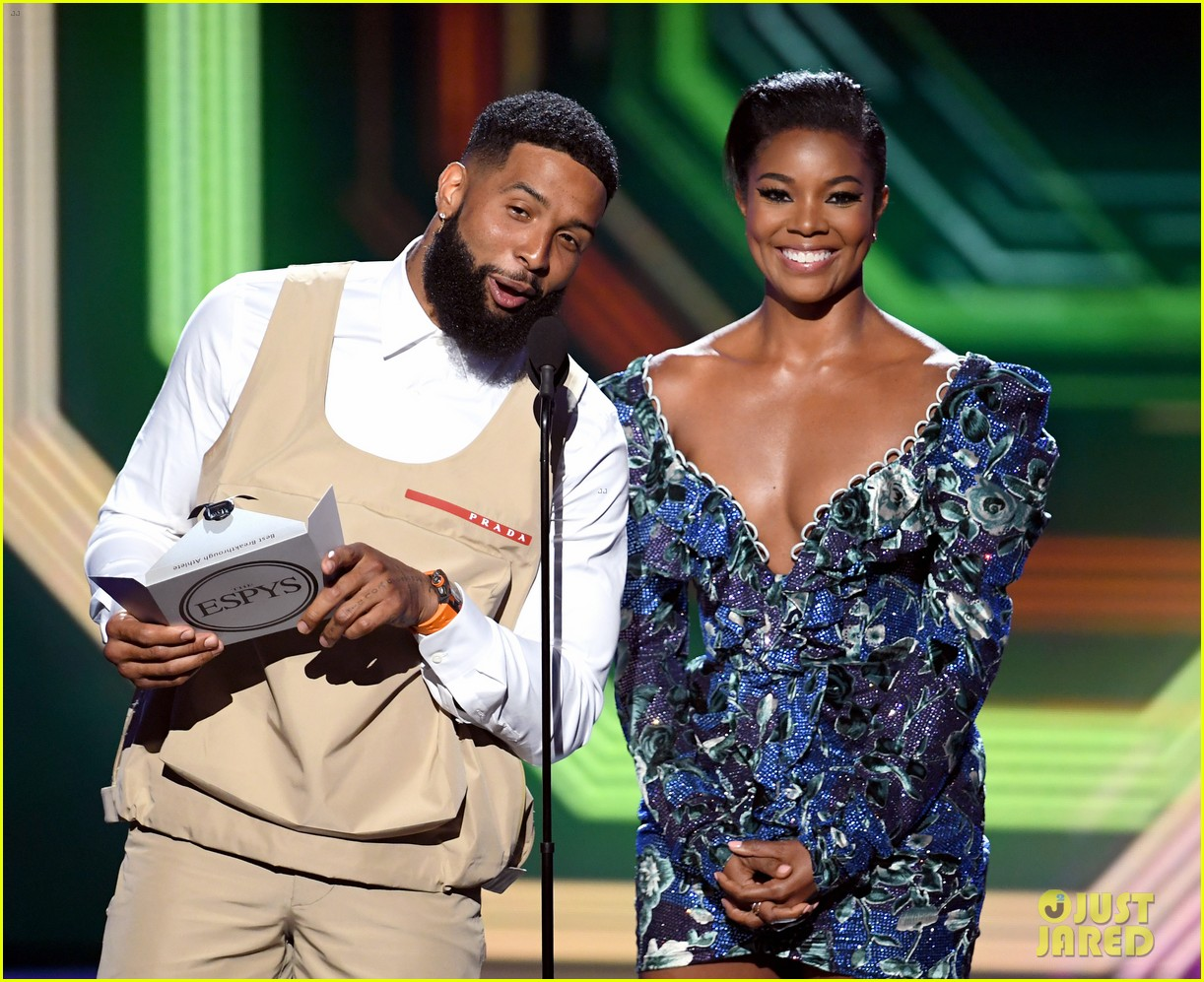 odell beckham jr sports khaki vest and shorts new haircut espys 2019 054320167