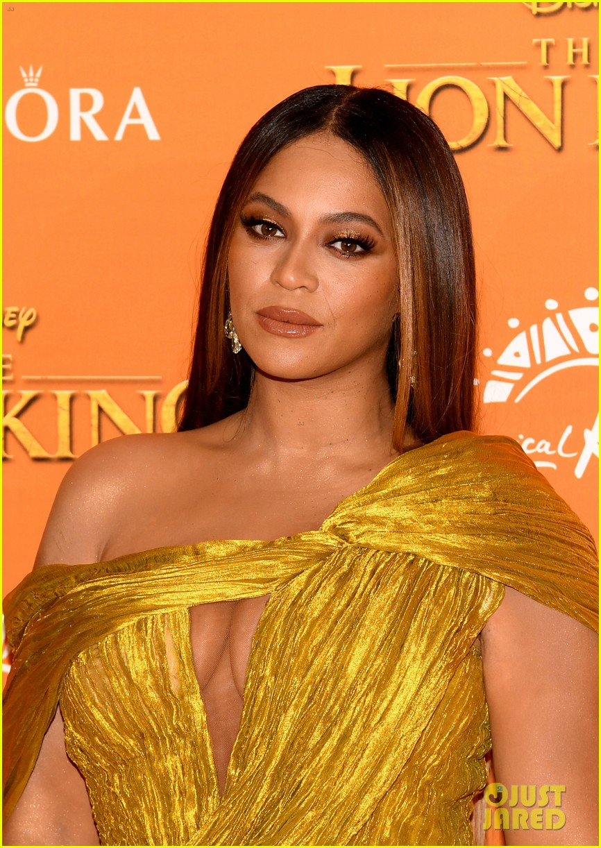 beyonce wore lion king makeup line to london premiere 024322693