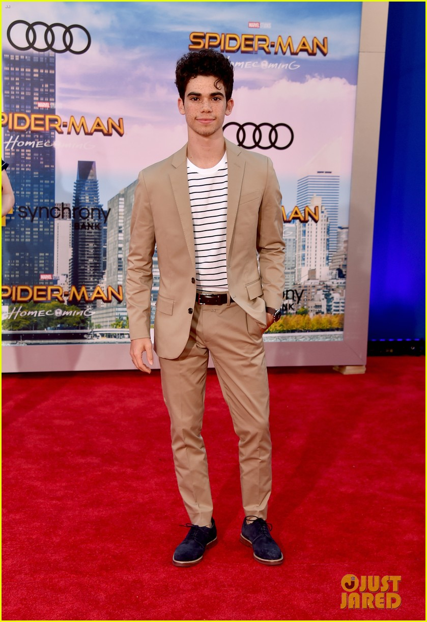 cameron boyce dies at 20 144320539