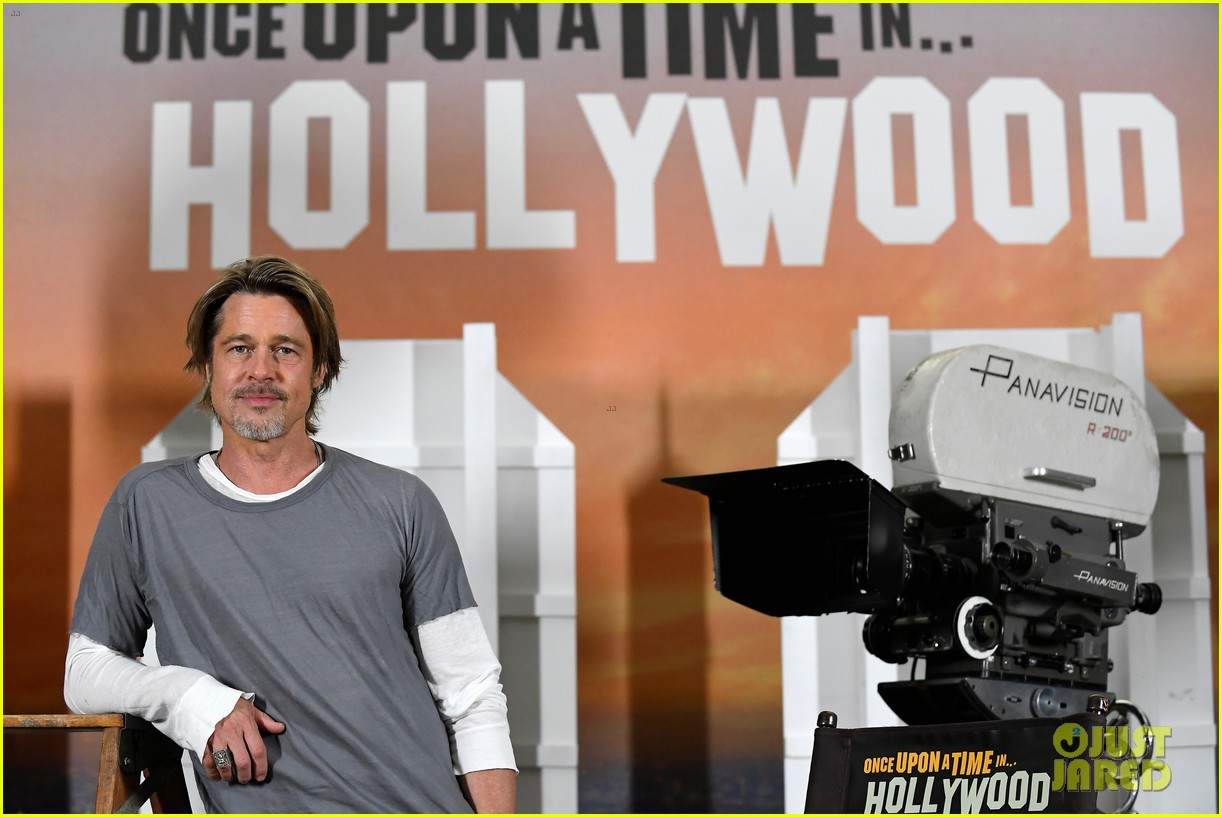 brad pitt margot robbie leonardo dicaprio hollywood photo call 274320789