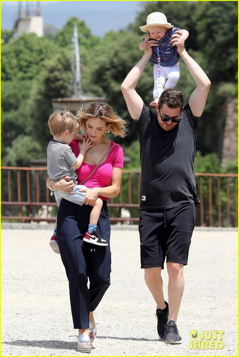 michael buble luisana lopilato with three kids 014317059