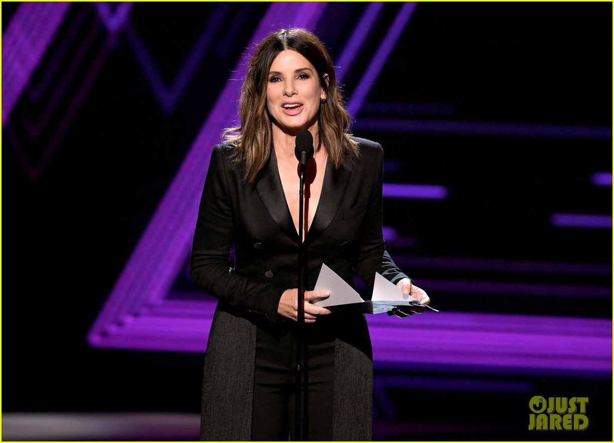 Sandra Bullock Calls for Equal Pay for U S  Women's Soccer Team at