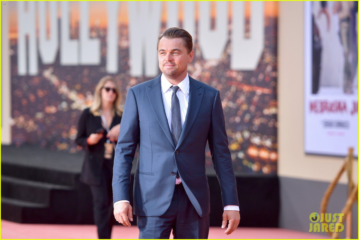 leonardo dicaprio brad pitt suit up once upon time hollywood premiere 07