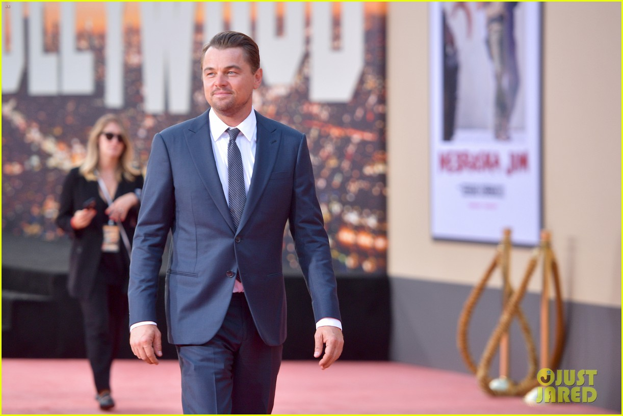 leonardo dicaprio brad pitt suit up once upon time hollywood premiere 09