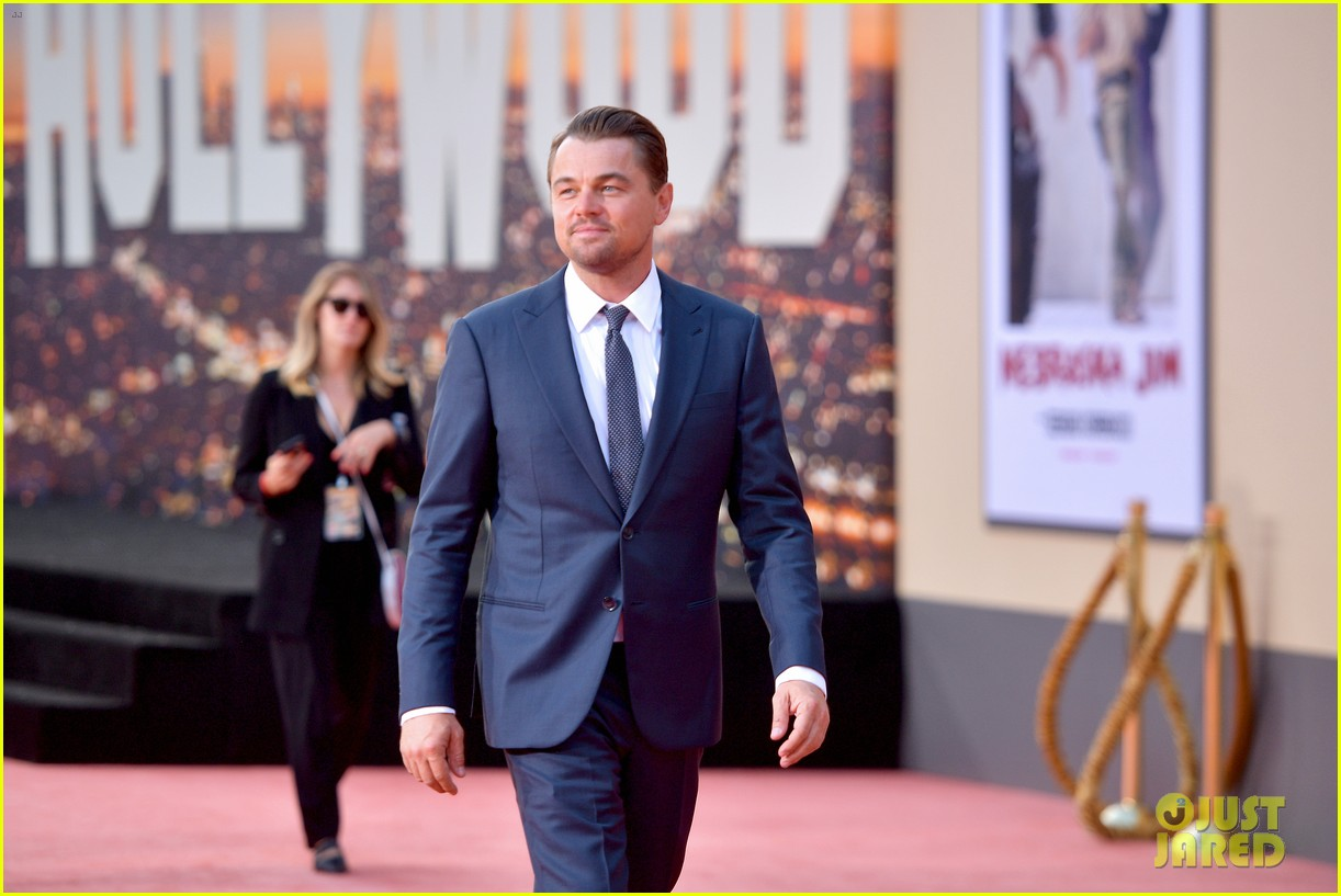 leonardo dicaprio brad pitt suit up once upon time hollywood premiere 10