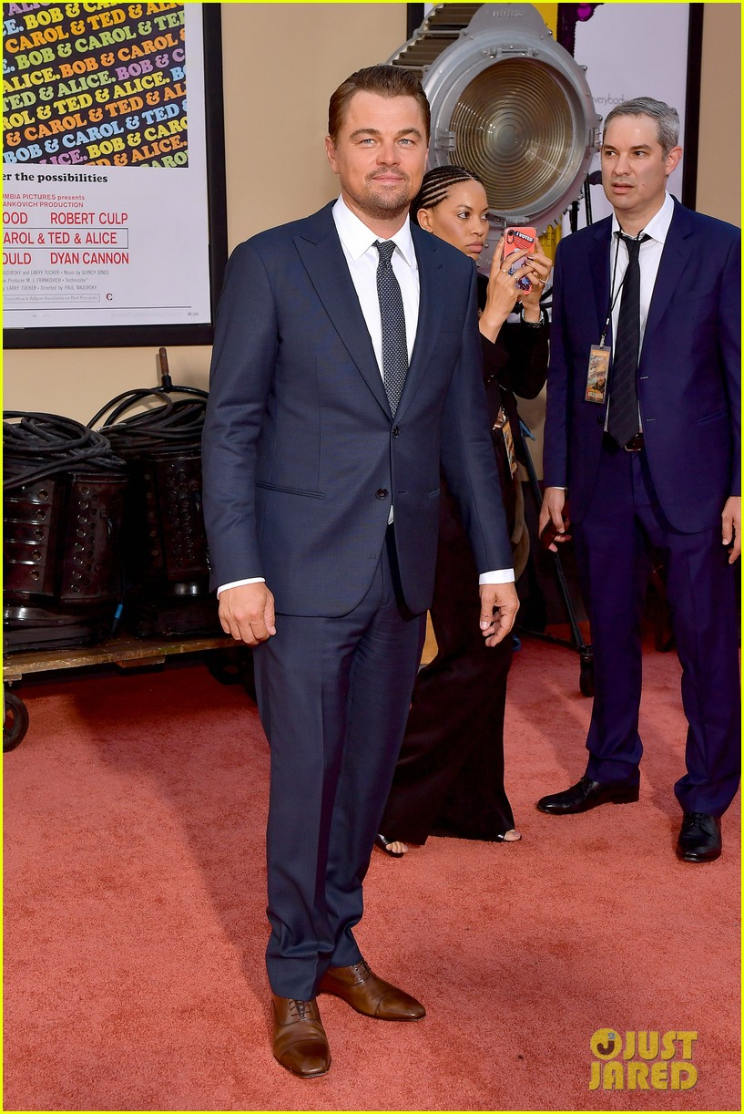 leonardo dicaprio brad pitt suit up once upon time hollywood premiere 12