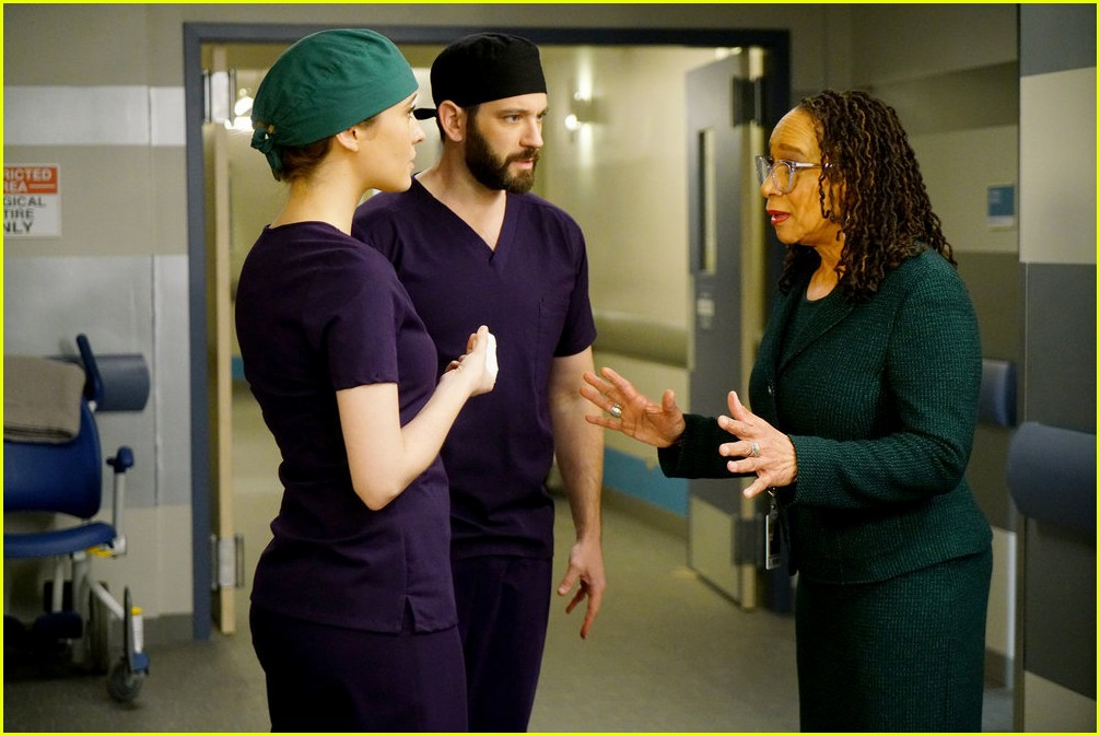 colin donnell one more chicago med episode 114319449