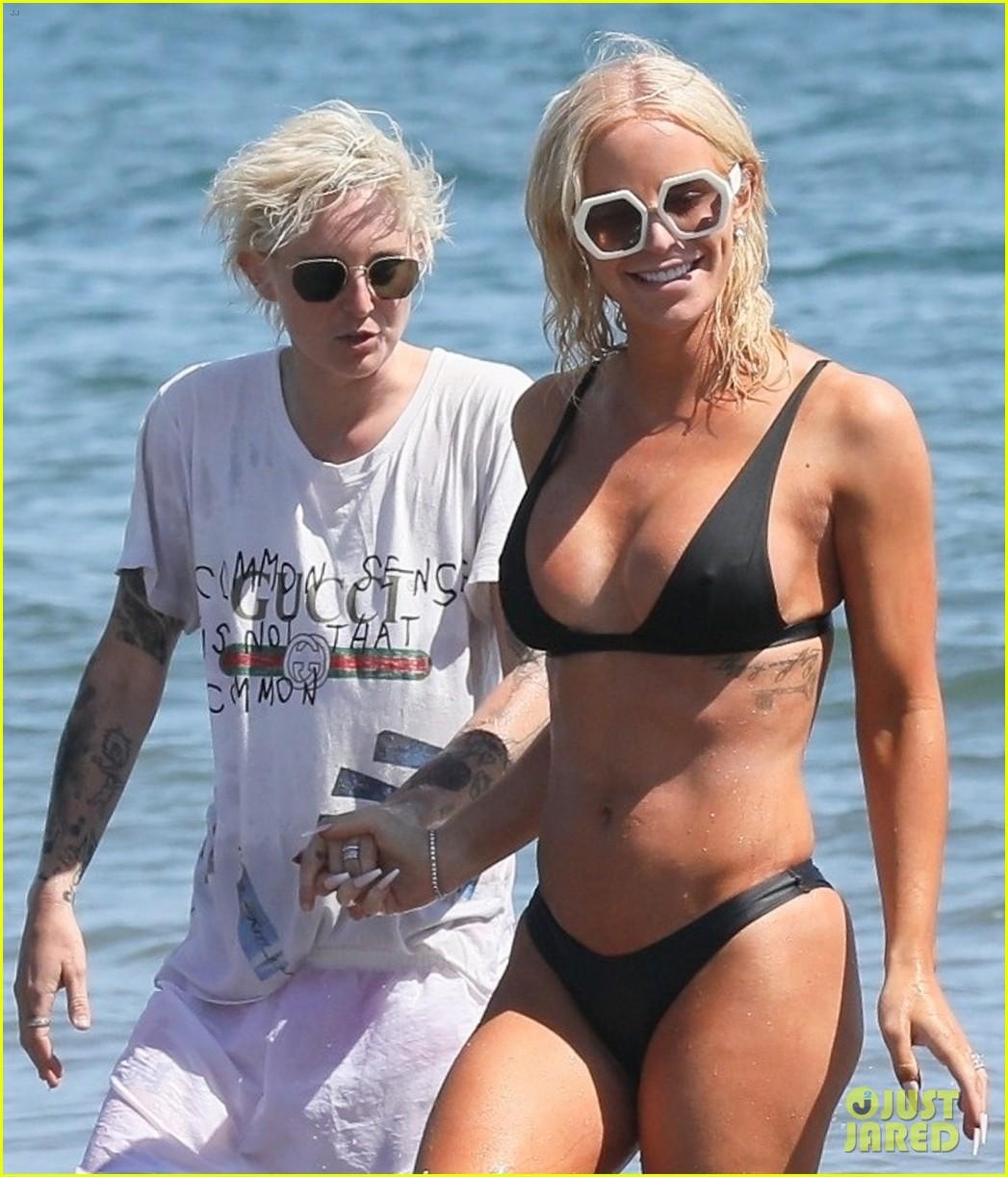 gigi gorgeous rocks a bikini kisses new wife nats getty at the beach 054322368