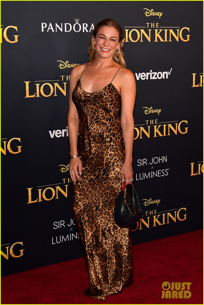 tiffany haddish zooey deschanel emily deschanel the lion king premiere 014319772