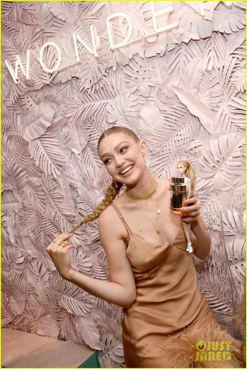 gigi hadid attends launch party michael kors wonderlust fragrance 034322622
