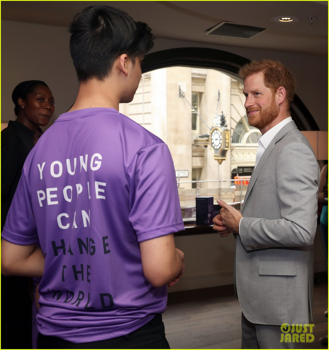 prince harry shares hope to be a role model for son archie at diana award summit 01