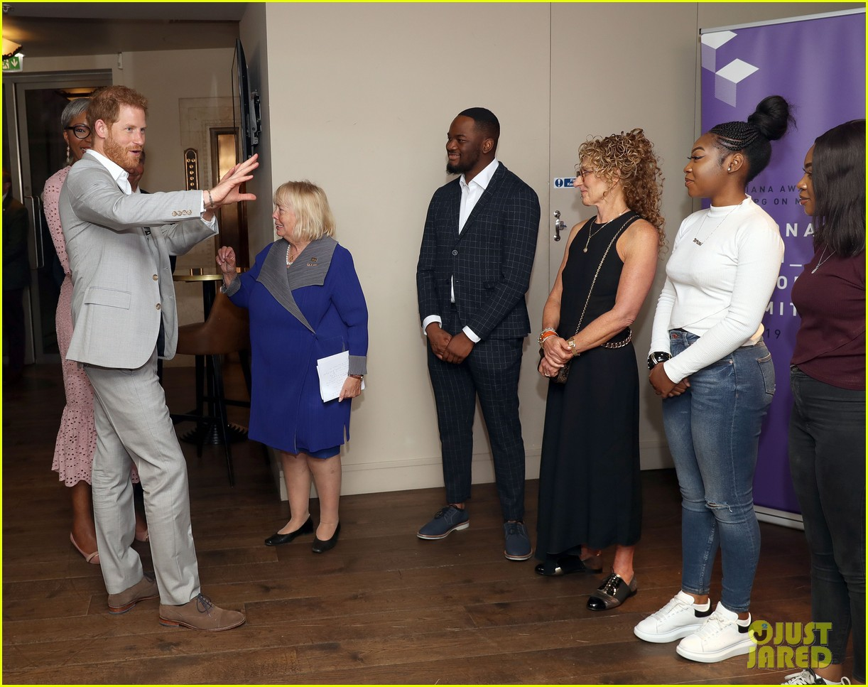 prince harry shares hope to be a role model for son archie at diana award summit 08