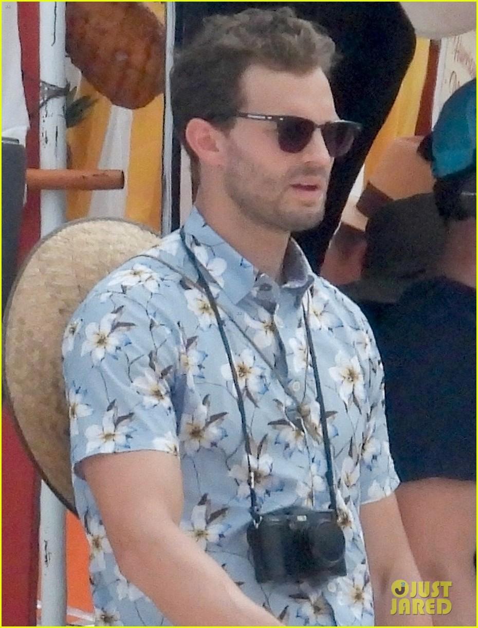 jamie dornan sports floral print shirt on barb star set 034327917