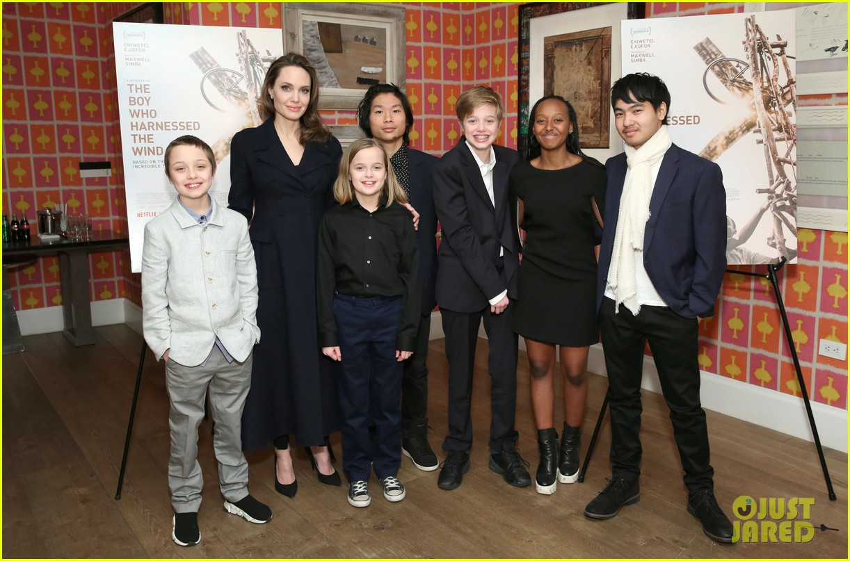 angelina jolie with her kids 164317731