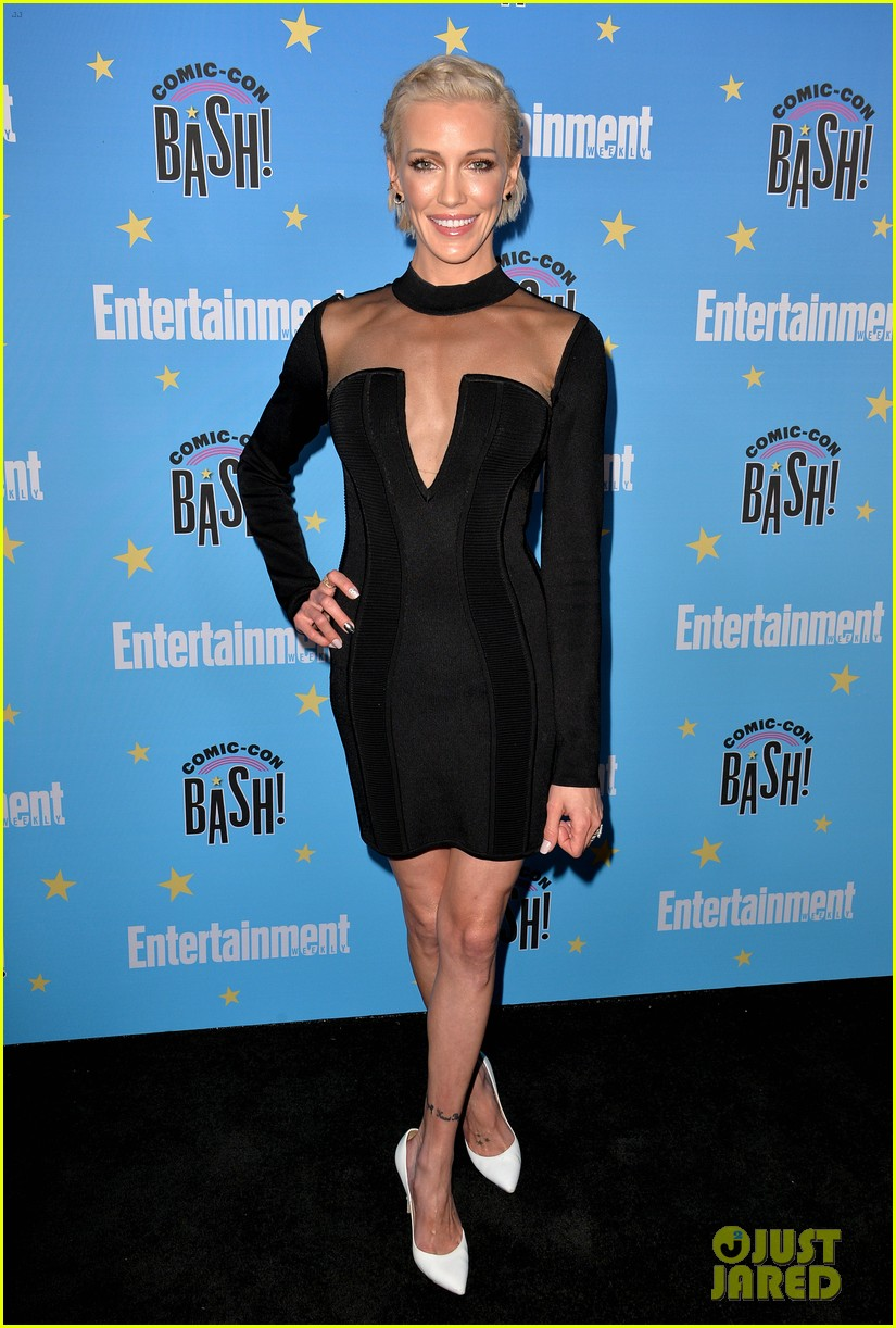 katie cassidy candice patton danielle panabaker shine at ew comic con party 044324952