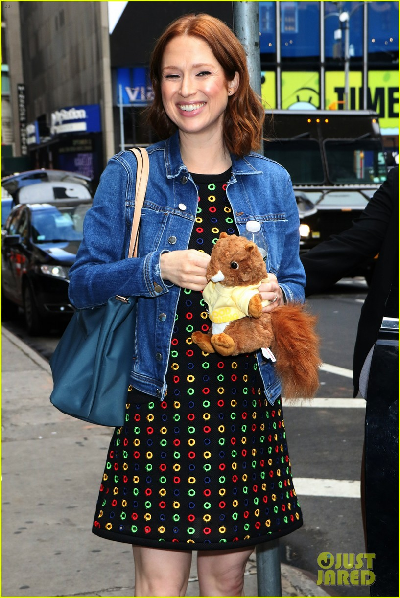 ellie kemper says first few months of second pregnancy were rough 014317925