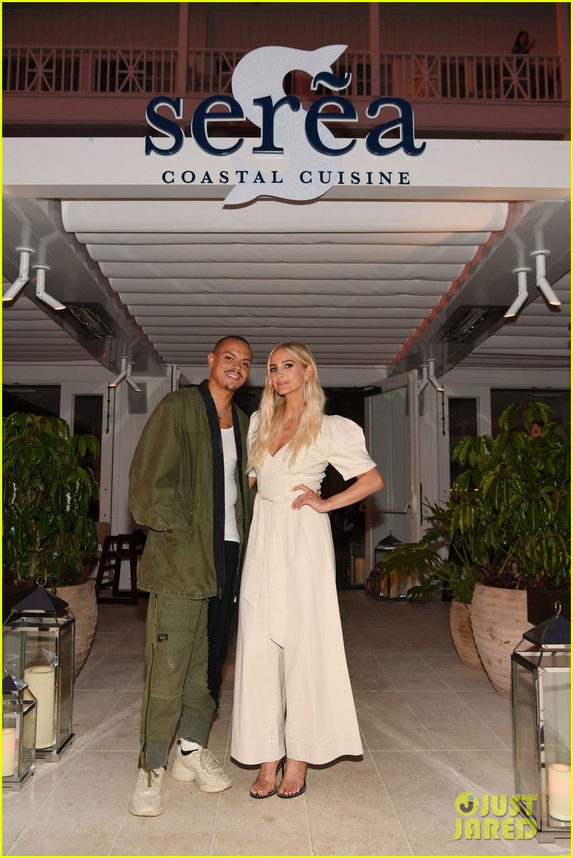 jaime king ashlee simpson double date at coronado 104317272