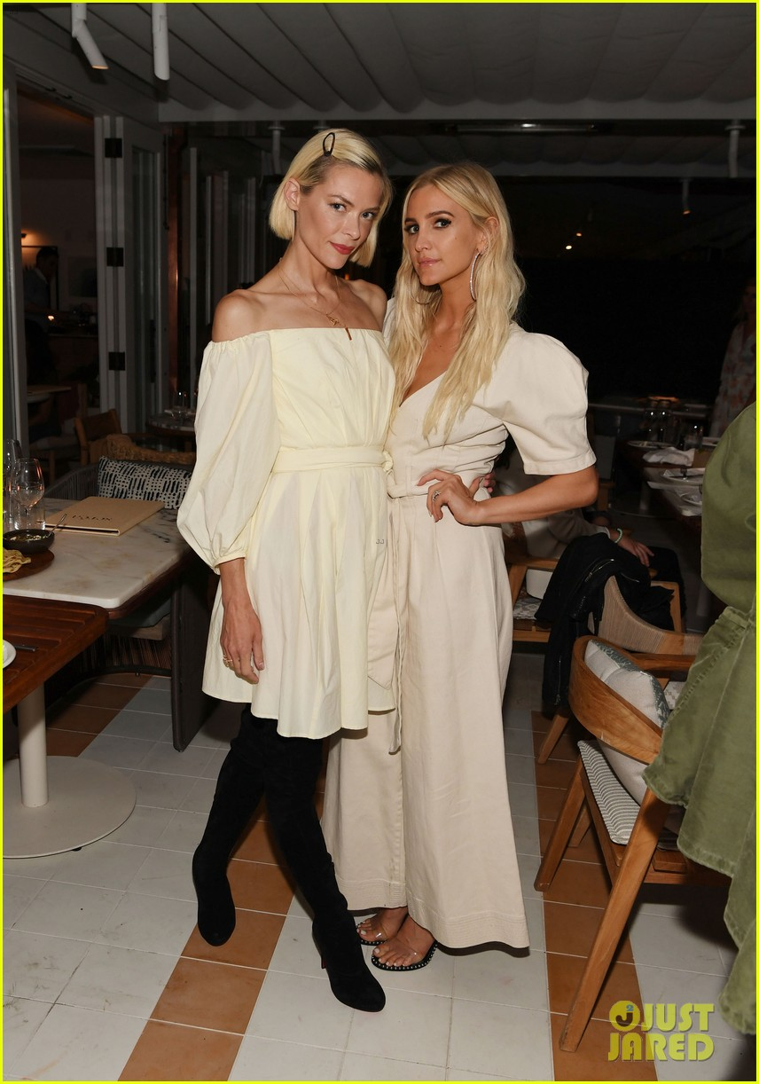 jaime king ashlee simpson double date at coronado 144317276