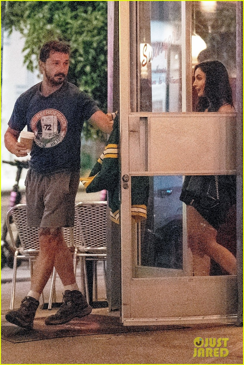 shia labeouf visits swingers diner in weho with a friend 054322325