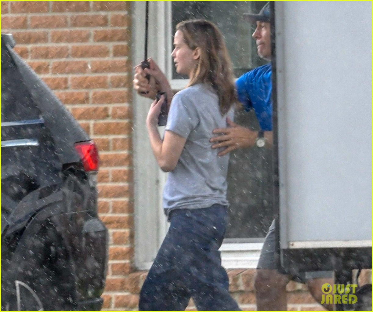 jennifer lawrence back on set 024317474