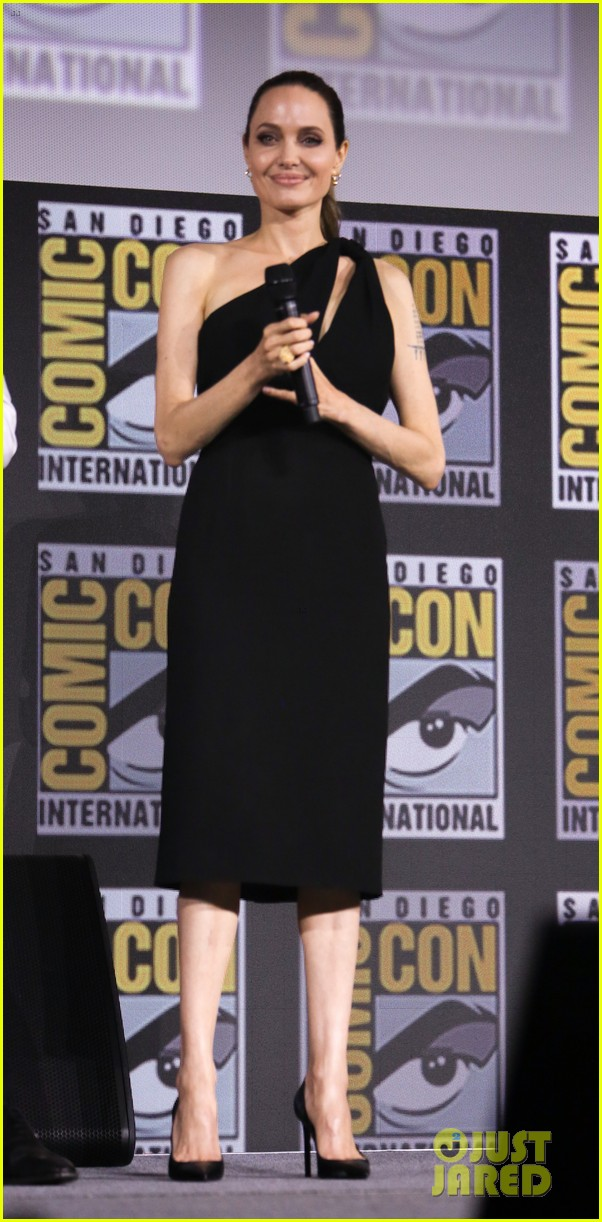 angelina jolie the eternals co stars comic con 01