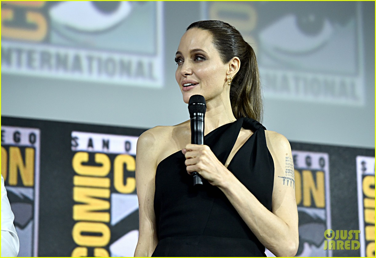 angelina jolie the eternals co stars comic con 07