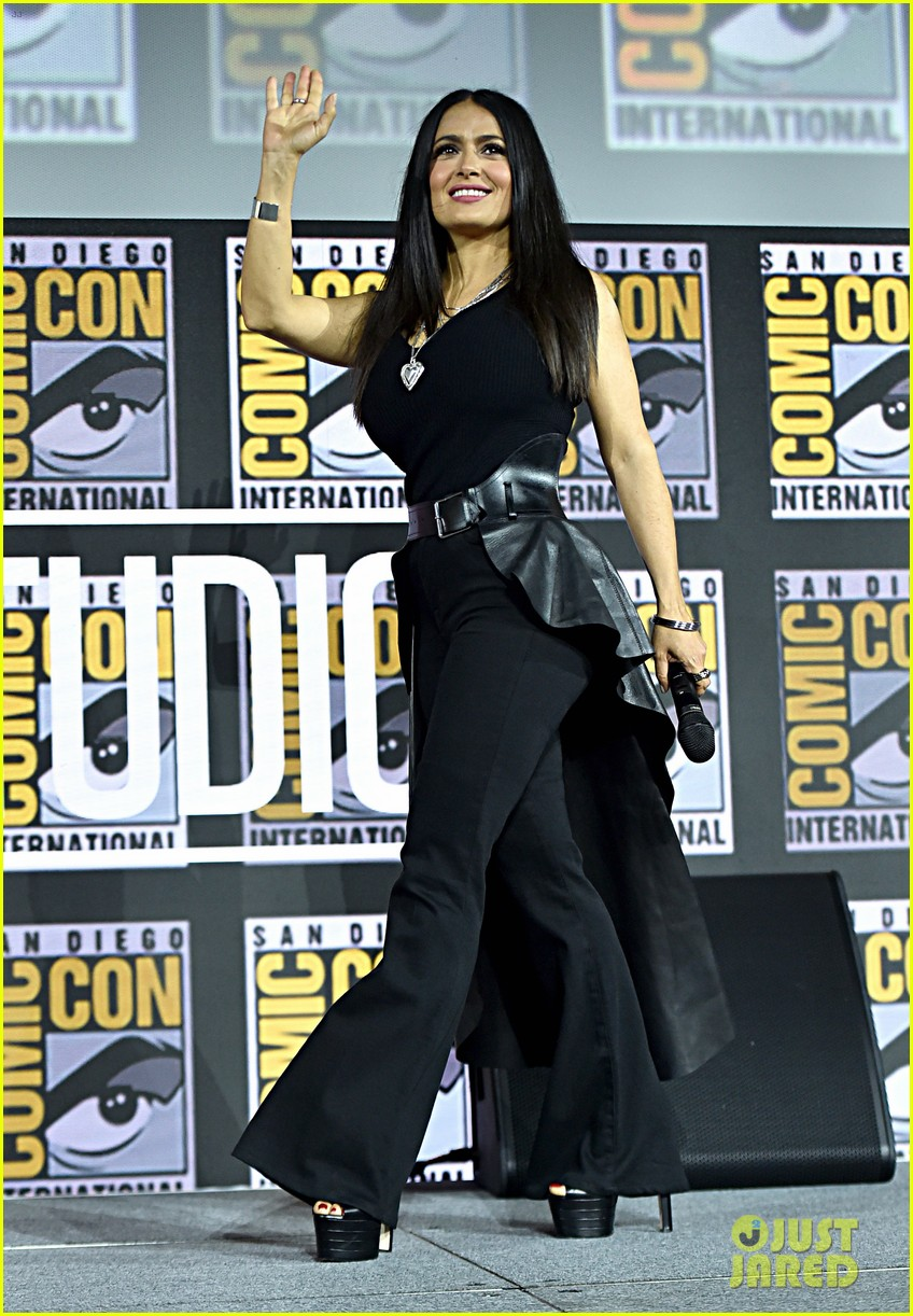 angelina jolie the eternals co stars comic con 09