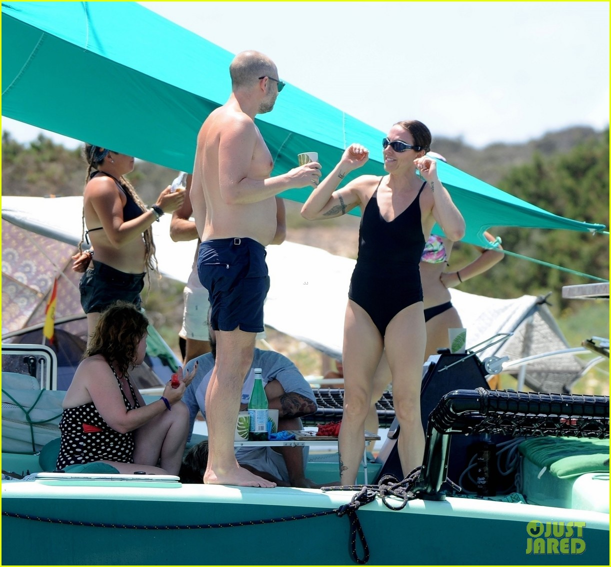 melanie c shows off her swimsuit bod with joe marshall in ibiza 014323569