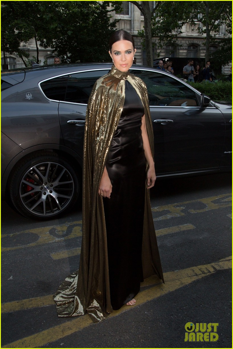 mandy moore rocks gold cape for vogue party in paris 03