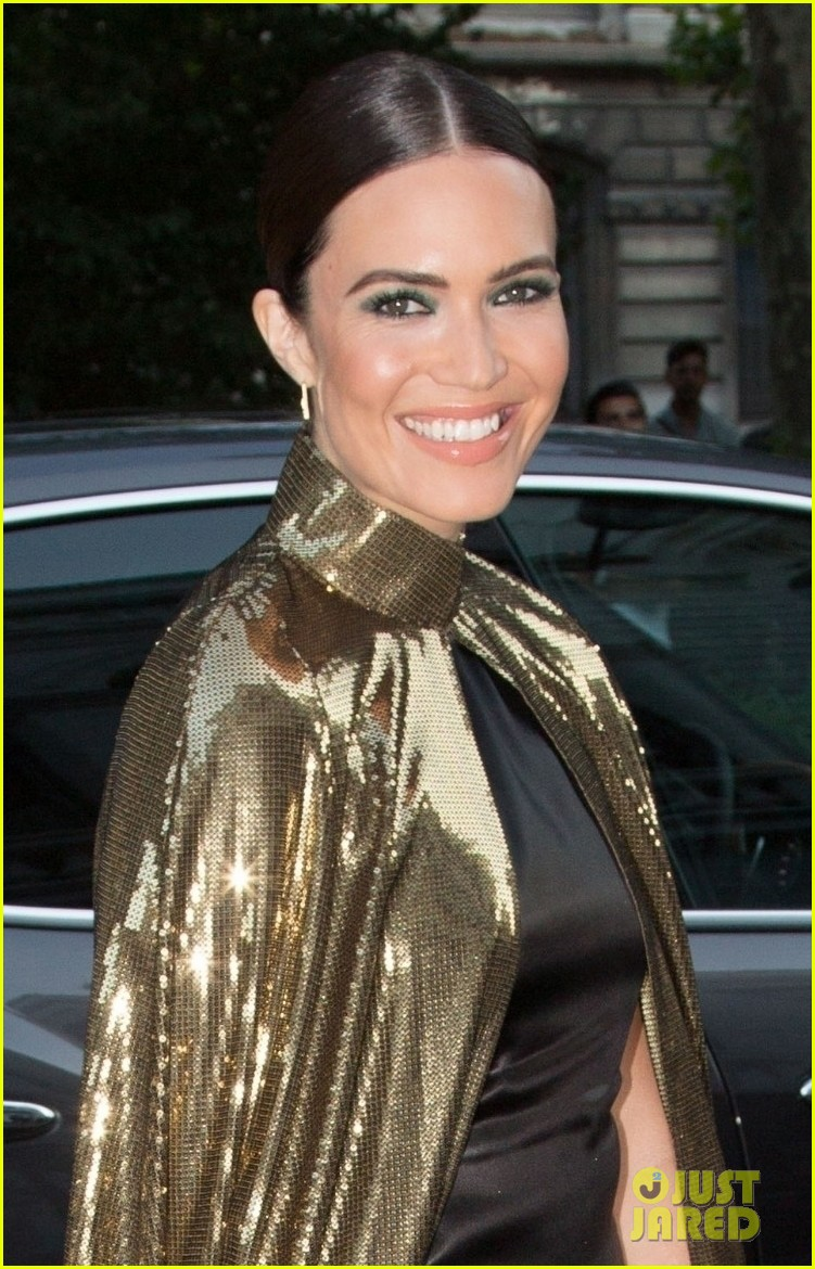 mandy moore rocks gold cape for vogue party in paris 05