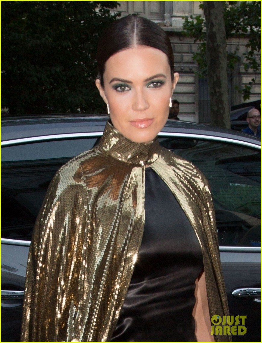 mandy moore rocks gold cape for vogue party in paris 08