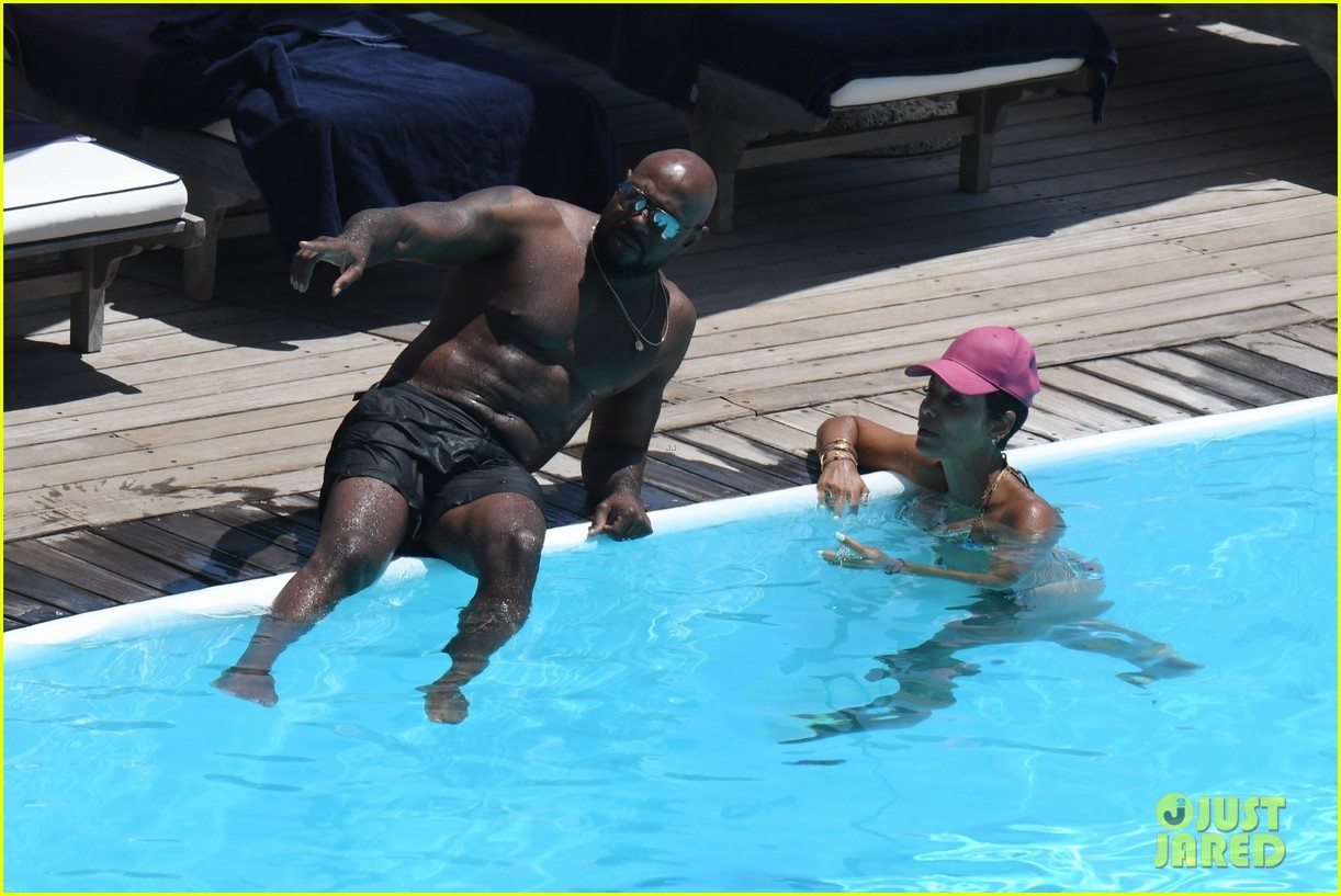 nicole murphy antoine fuqua kiss by the pool 244325461
