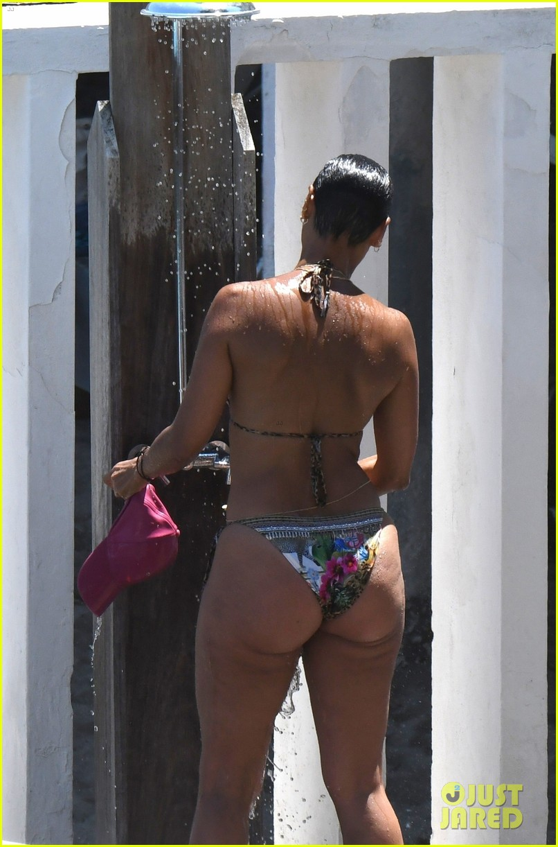 nicole murphy antoine fuqua kiss by the pool 294325466