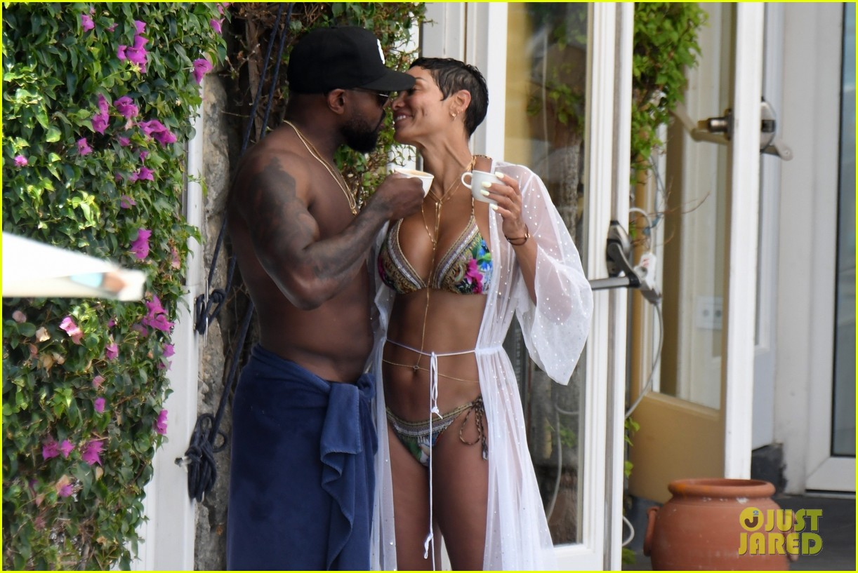 nicole murphy antoine fuqua kiss by the pool 424325479