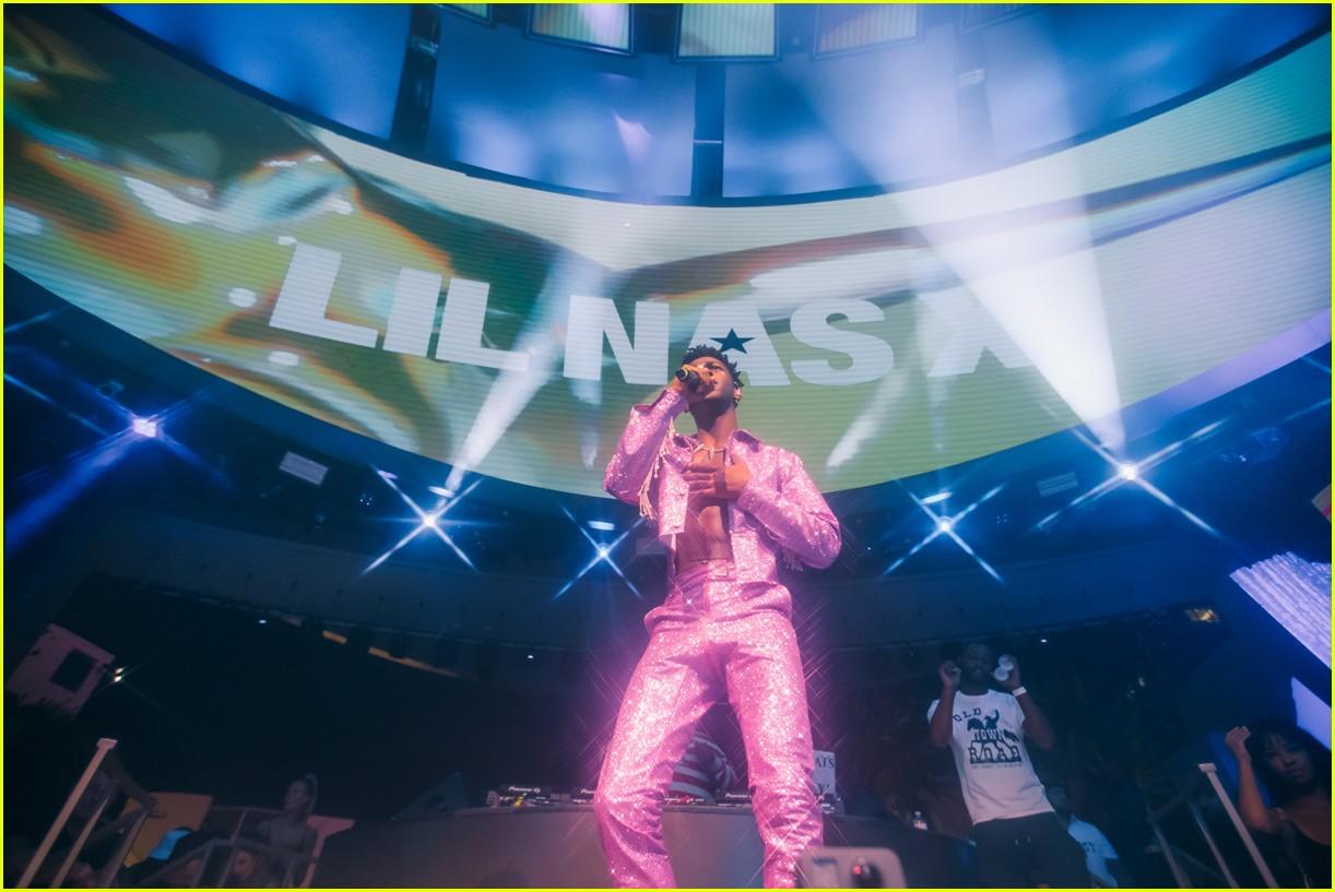 lil nas x performs in vegas plus billboard history 21