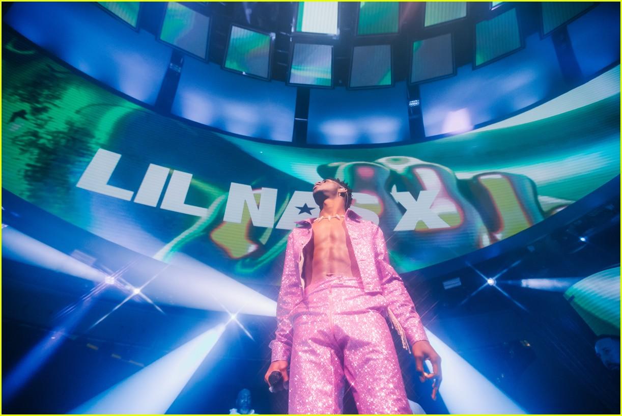 lil nas x performs in vegas plus billboard history 23