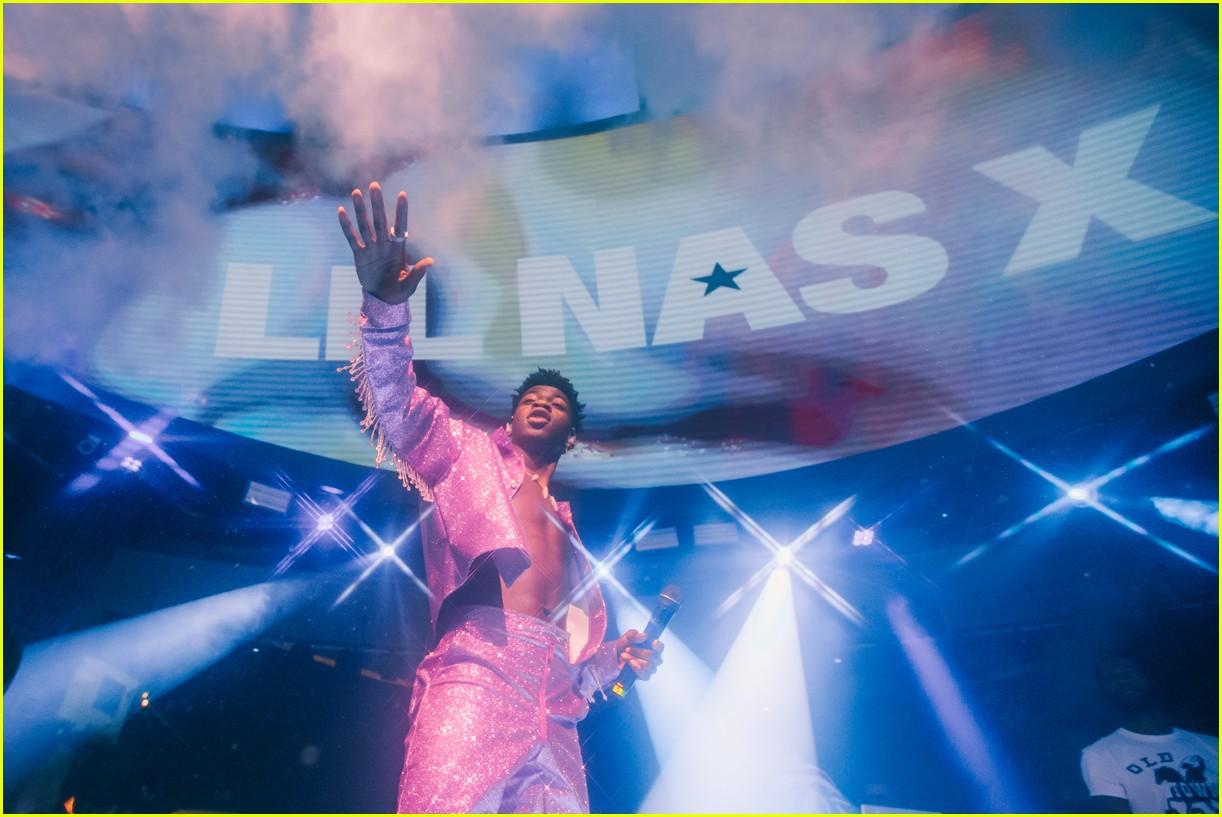 lil nas x performs in vegas plus billboard history 24
